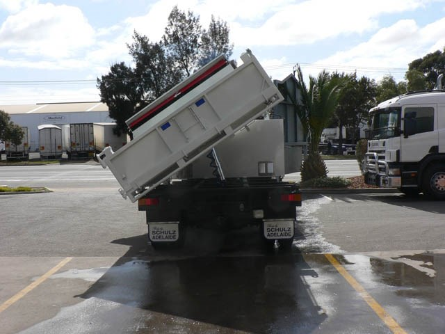 JG Schulz Motor Body Builders, Adelaide, South Australia - Tippers - 3 Way Tipper