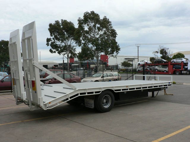 JG Schulz Motor Body Builders, Adelaide, South Australia - Trailers - Pig Trailer - Plant