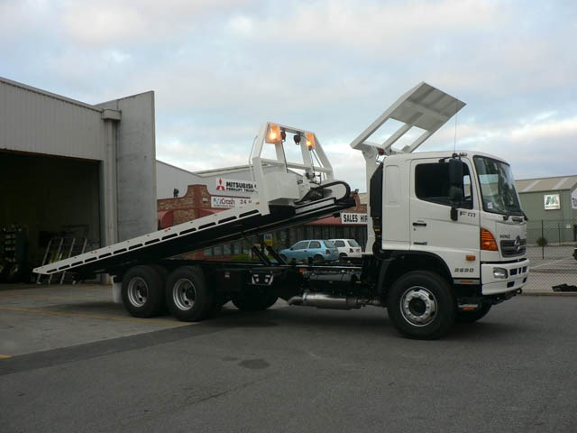 JG Schulz Motor Body Builders, Adelaide, South Australia - Trays - Slide Tilt Tray