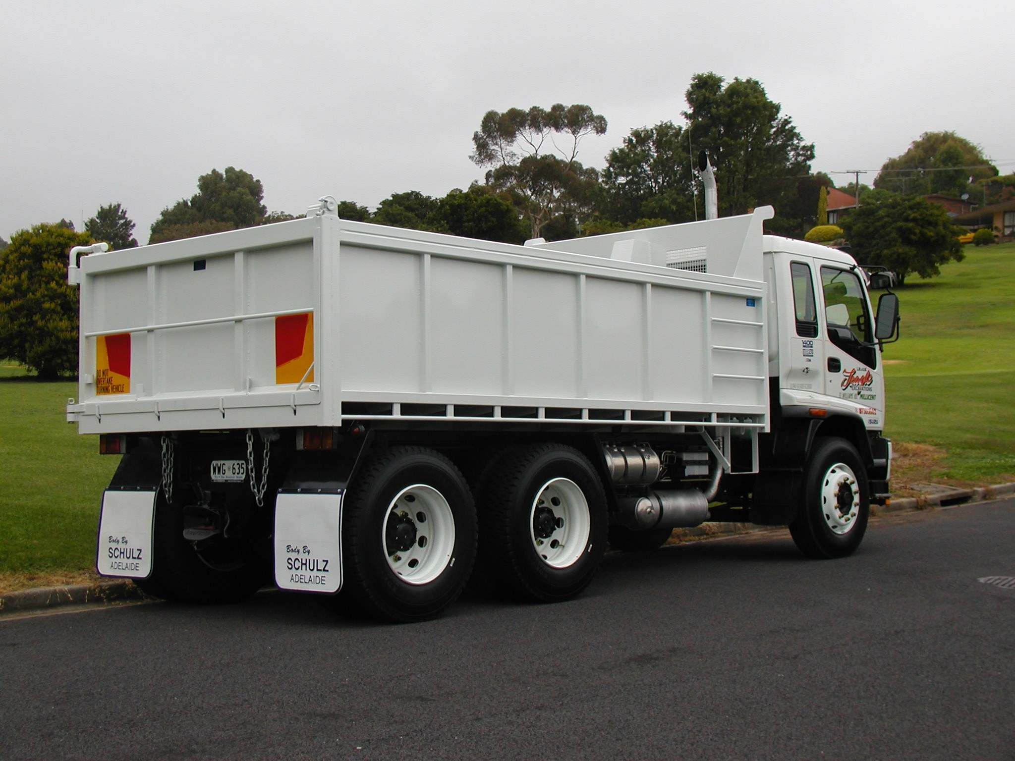 JG Schulz Motor Body Builders, Adelaide, South Australia - Tippers - Rock Body Tipper