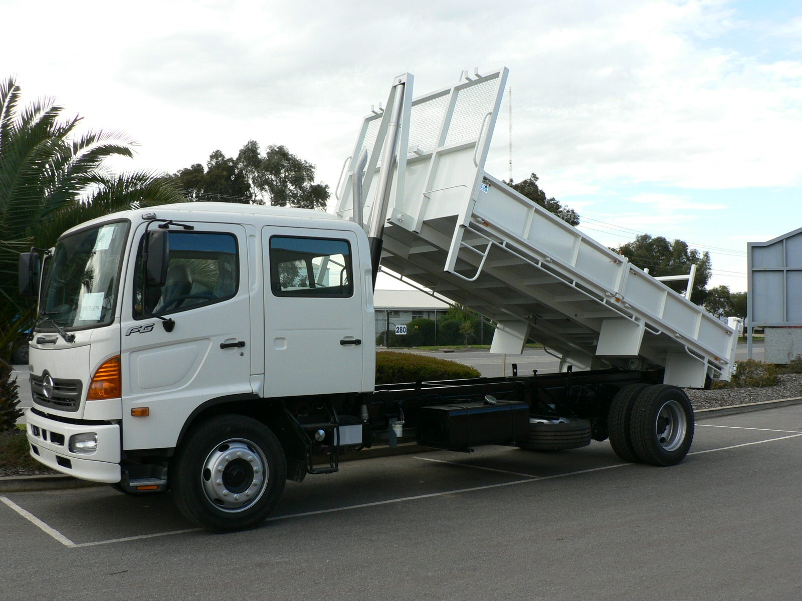 JG Schulz Motor Body Builders, Adelaide, South Australia - Tippers - 6 – 9 Tonne Tipper