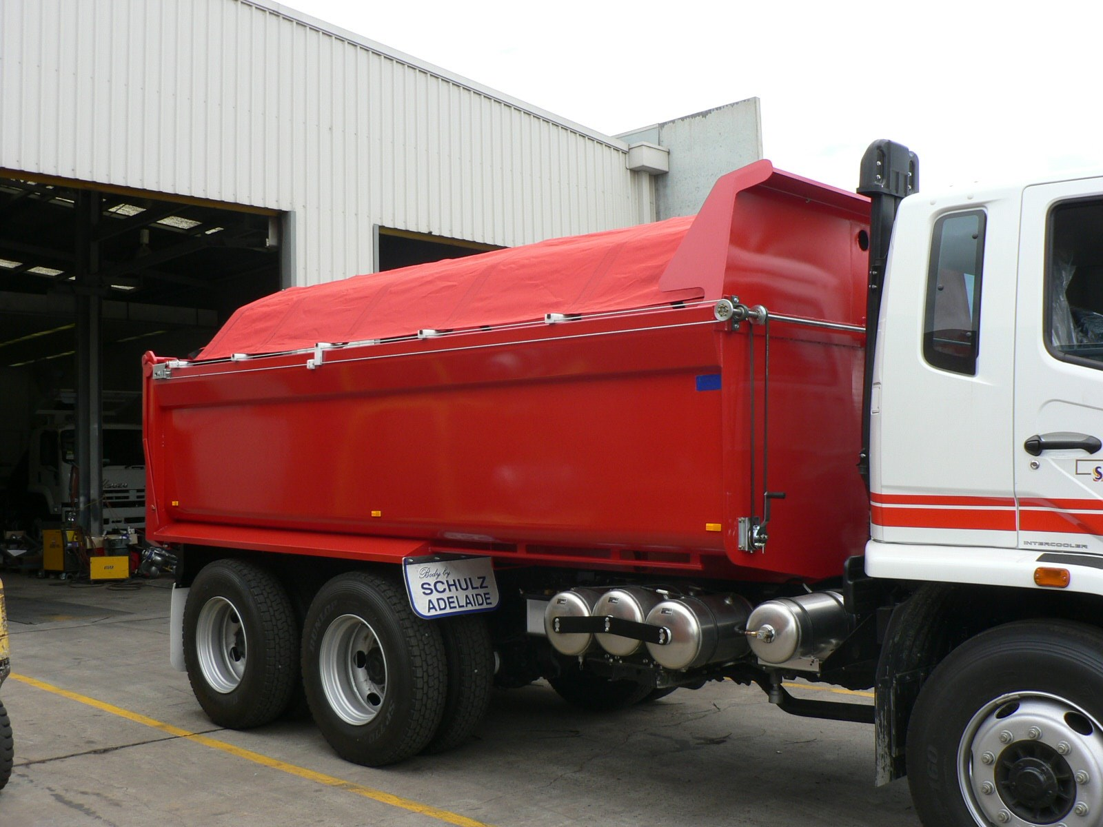 JG Schulz Motor Body Builders, Adelaide, South Australia - Tippers - Tarps