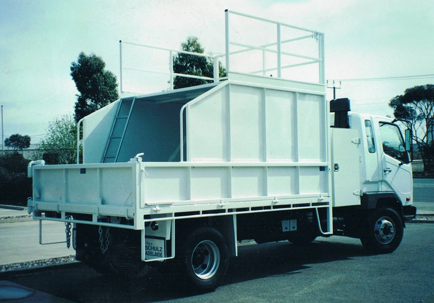 JG Schulz Motor Body Builders, Adelaide, South Australia - Tippers - Chipper Tipper